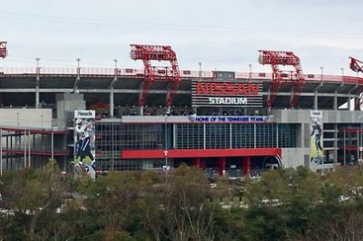 Longtime NFL official Carl Madsen dies after working Chiefs-Titans game